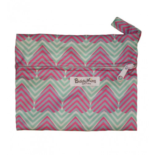 WS009 Heart Chevron Small Wet Bag