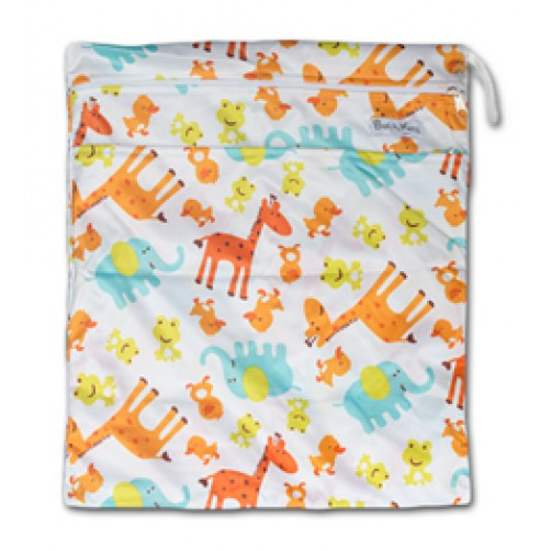 W011 Giraffes Frogs Smooth Wet Bag